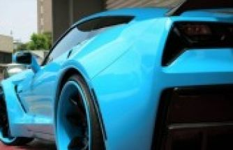 Bodykitli Turkuaz Corvette C7 Stingray Widebody